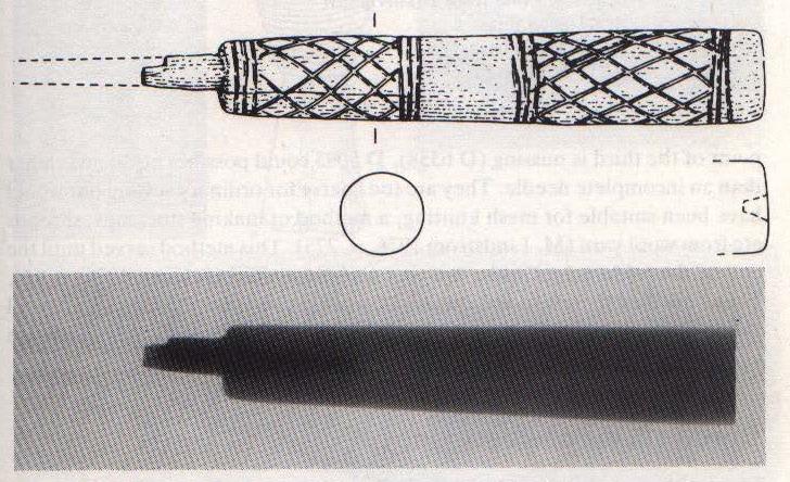 Parohové zdobené šídlo z dánského Ribe (Domerhaven). Převzato z Ambrosiani 1981: 135, Fig. 84.