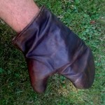 Kožené rukavice vyrobené Beelphem.