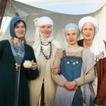 Autor fotky: Olga Tarasevič. Julie zde stojí vlevo.
