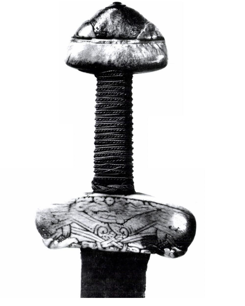 svatoštěpánský meč2