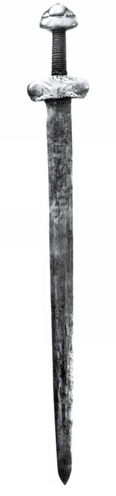 svatoštěpánský meč3